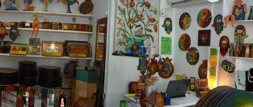 Kakadu - workshops for tourists visiting Israel